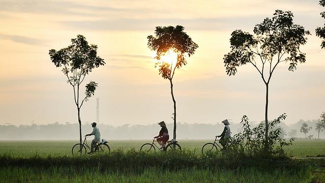 bicycle-riding-china
