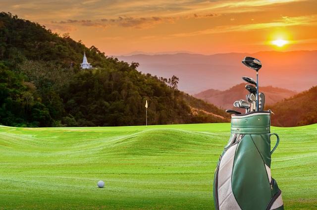 golf gear travel mountain